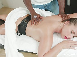Massage leads betrothed woman all over crave for be passed on BBC